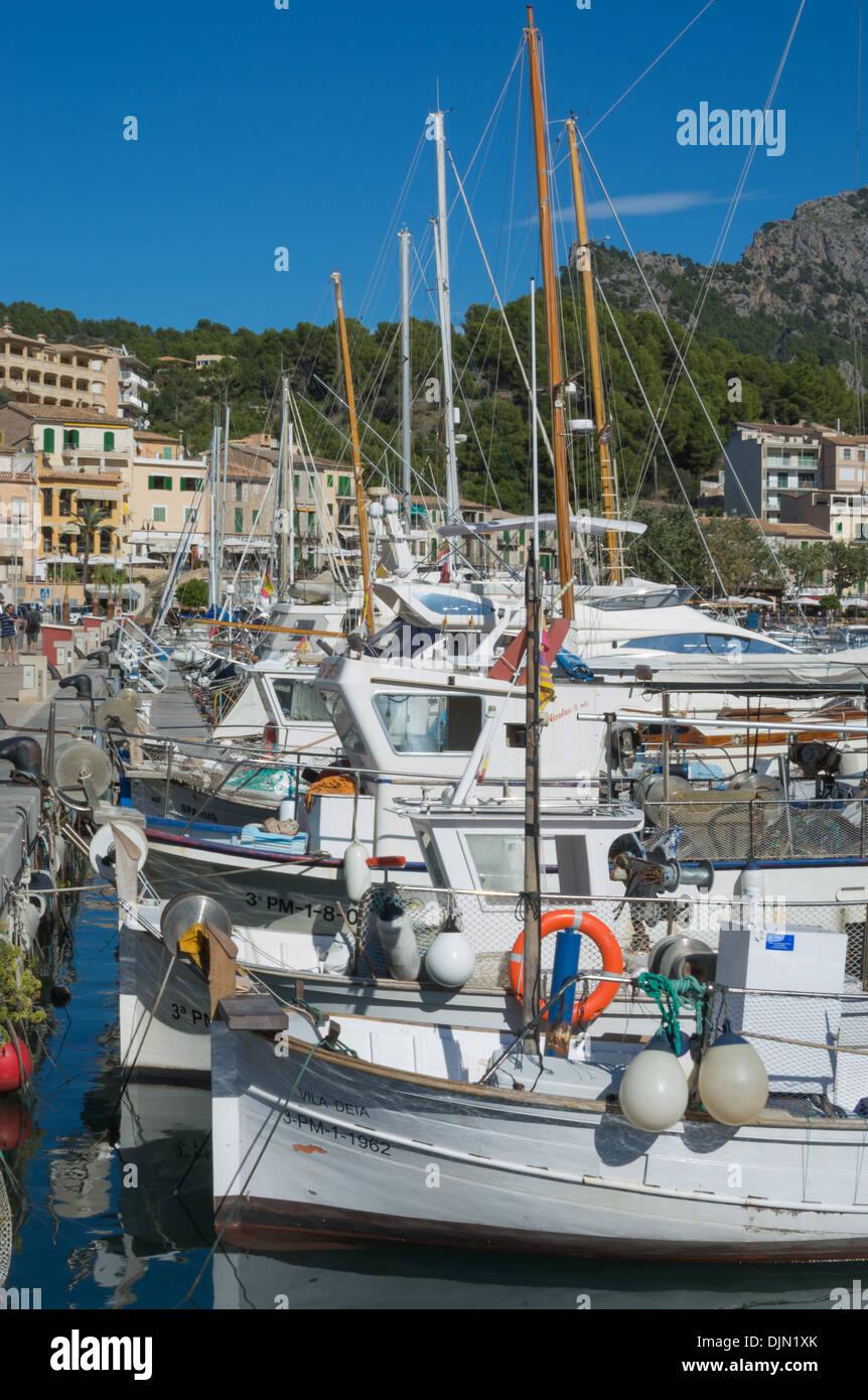 Small boats in Port de Soller marina, Majorca, Spain, in October. Port de Soller, Majorca, Balearic islands, Spain. - Stock Image