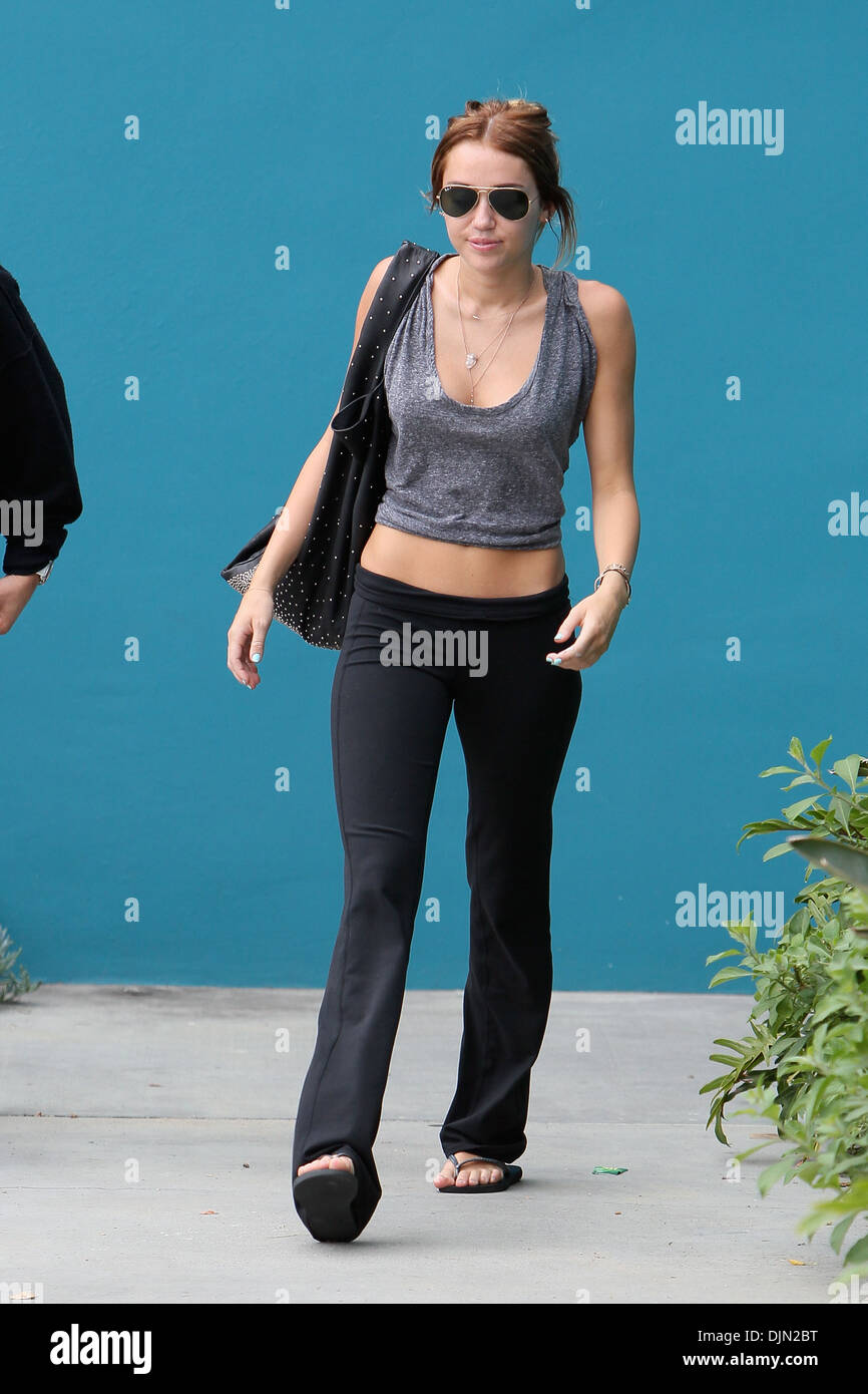 Miley Cyrus Exits Her Windsor Pilates Class Los Angeles California