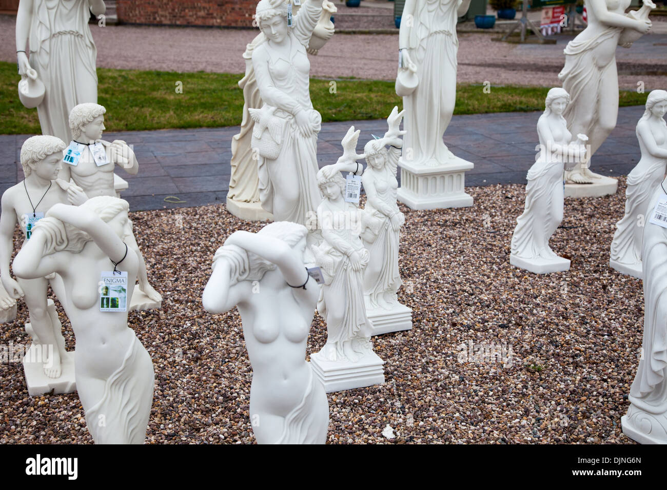 Garden Ornaments For Sale High Resolution Stock Photography And Images Alamy