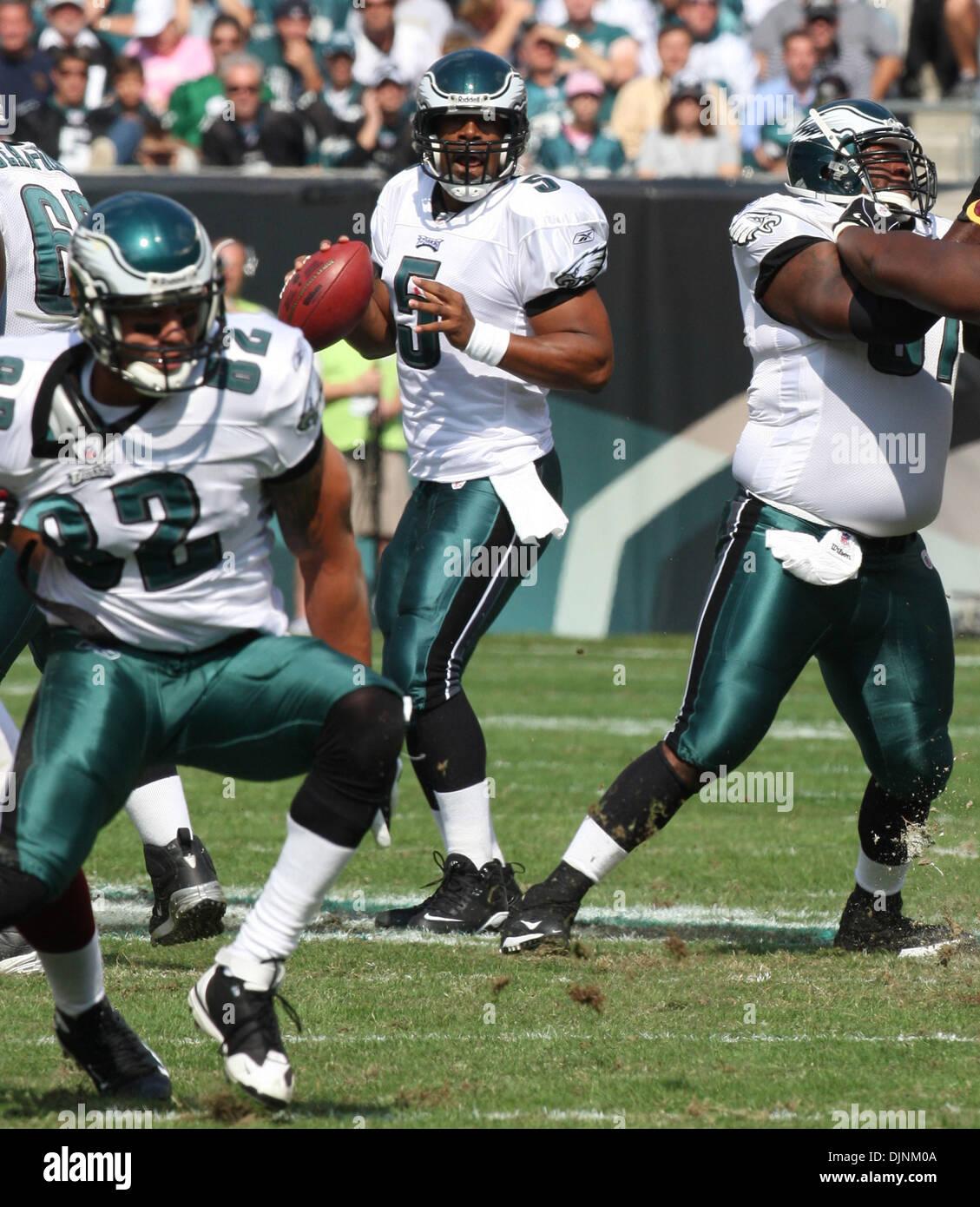 4f5b9fefd34 Oct 05, 2008 - Philadelphia, Pennsylvania, USA - Philadelphia Eagles  Quarterback #5