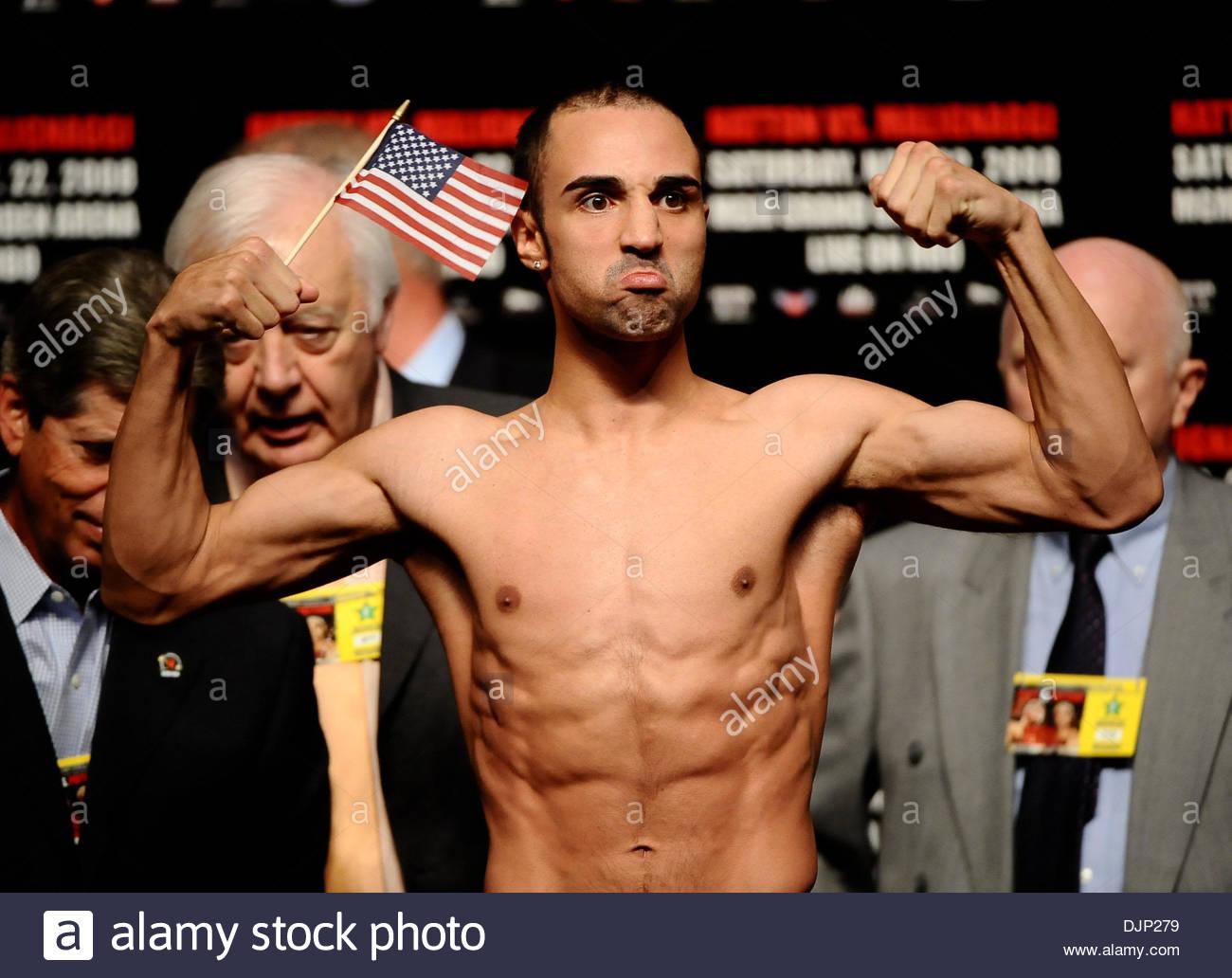 Nov 21, 2008 - Las Vegas, Nevada, USA - PAULIE MALIGNAGGI weighs in