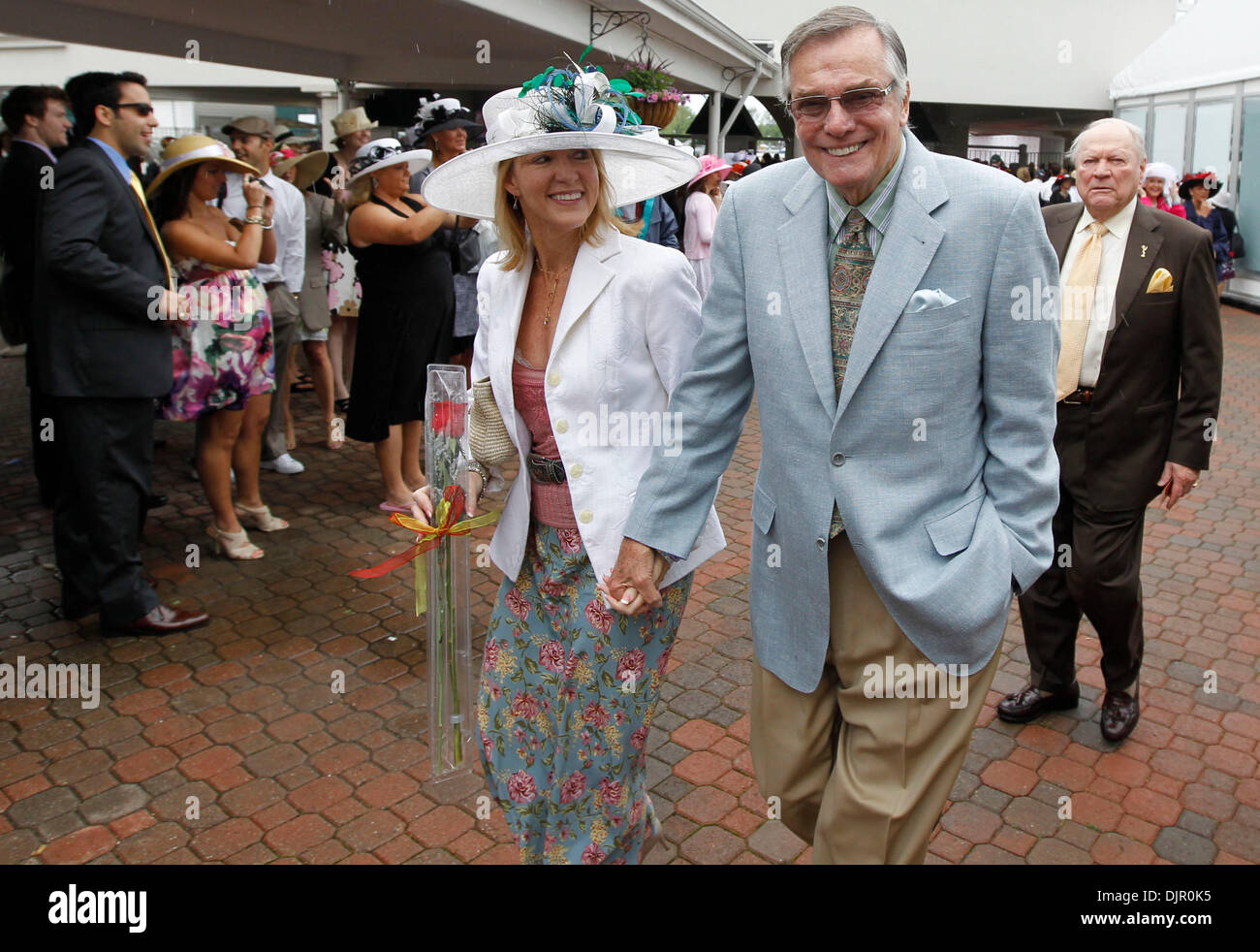 May 01, 2010 - Louisville, Kentucky, U.S. - Peter Marshall, former ''Hollywood Squares'' gameshow host, and his wife, Lori, arrived at the 136th running of the Kentucky Derby at Churchill Downs Saturday May 1, 2010. Photo by Charles Bertram (Credit Image: © Lexington Herald-Leader/ZUMApress.com) - Stock Image
