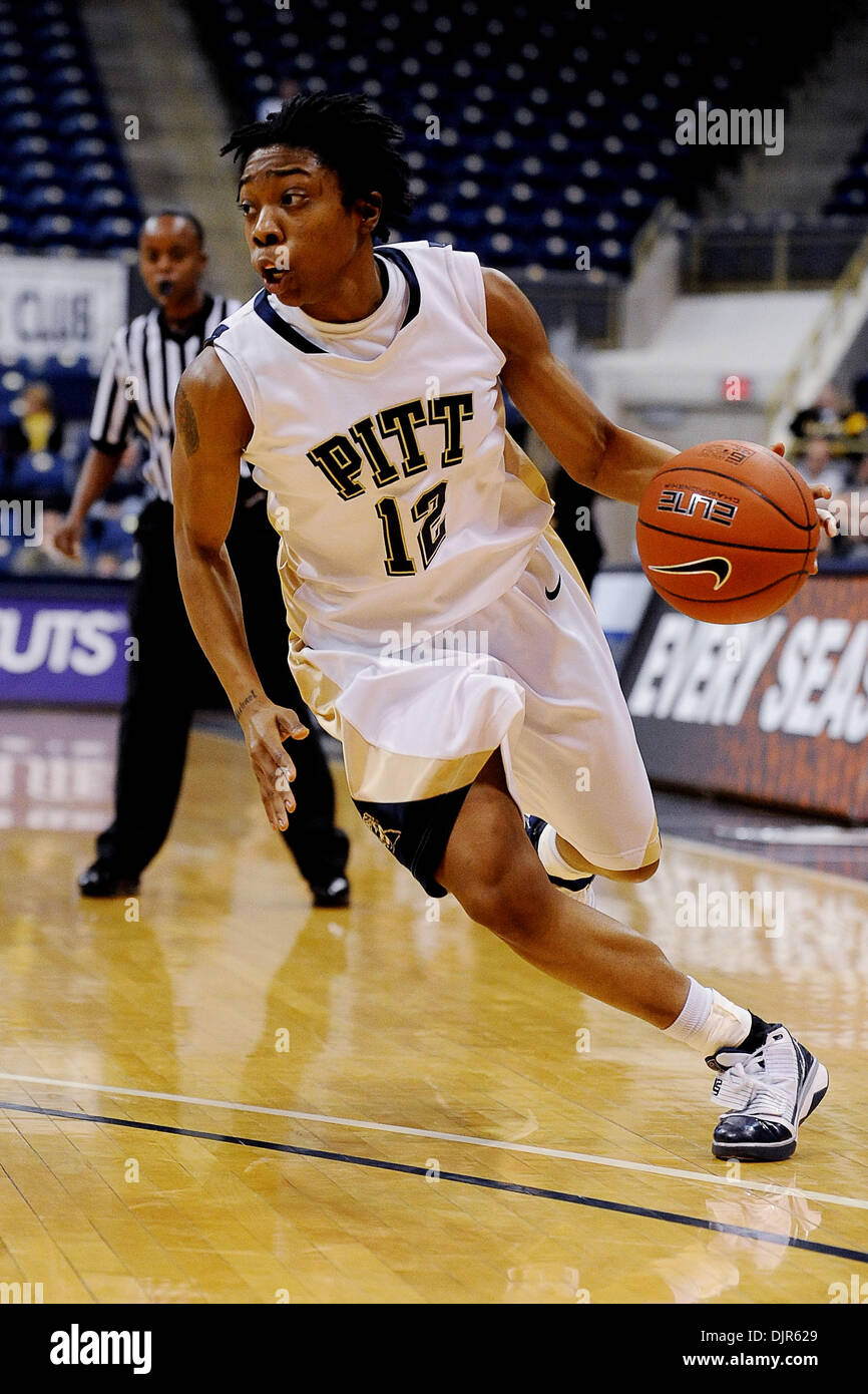 Mar. 01, 2010 - Pittsburgh, PA, U.S - 01 March 2010: University of Pittsburgh junior guard Brittaney Thomas (12) Stock Photo