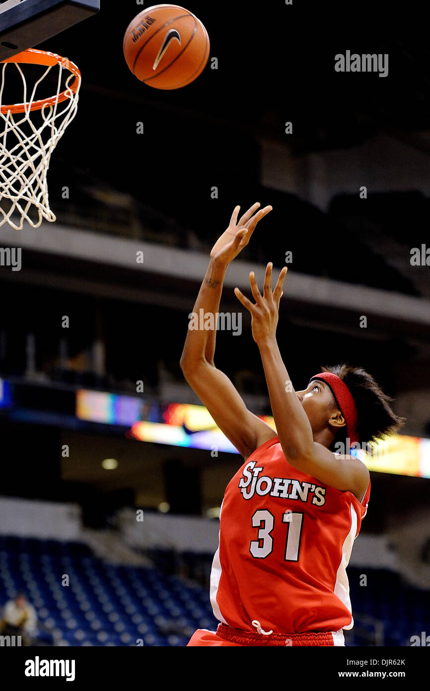 Mar. 01, 2010 - Pittsburgh, PA, U.S - 01 March 2010: St. John's University freshman guard Shenneika Smith (31) goes Stock Photo