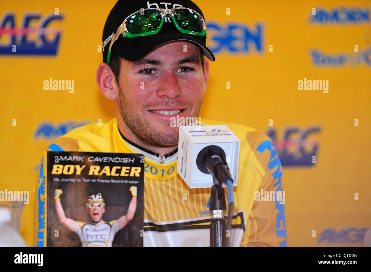 Mark Cavendish of Team HTC-Columbia fields questions and shows off his new  autobiography at 4888a113f