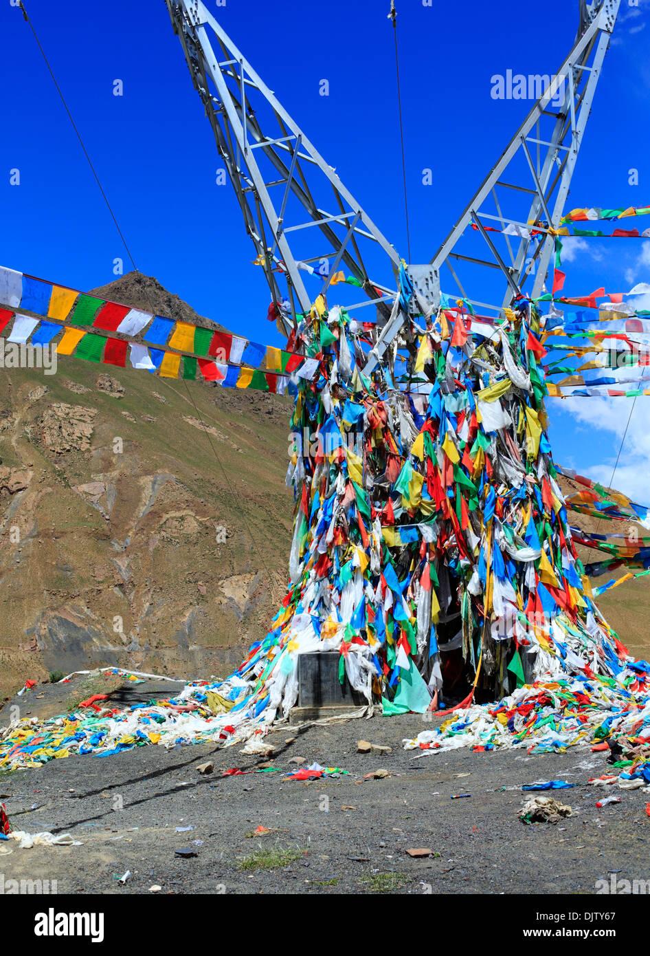 Payer flags at Simi La lake, Shigatse Prefecture, Tibet, China - Stock Image