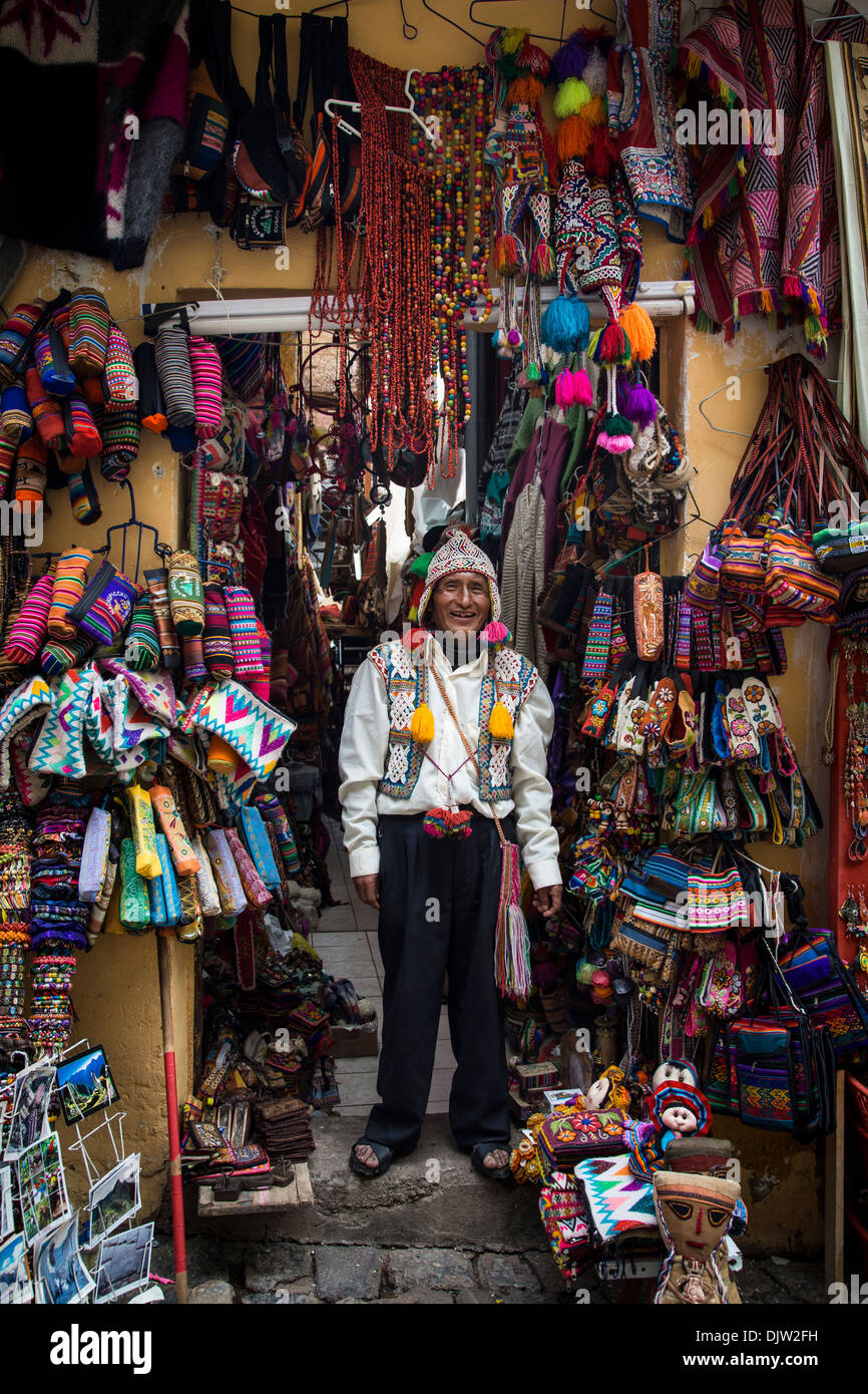 Handicraft shop, Cuzco, Peru. - Stock Image