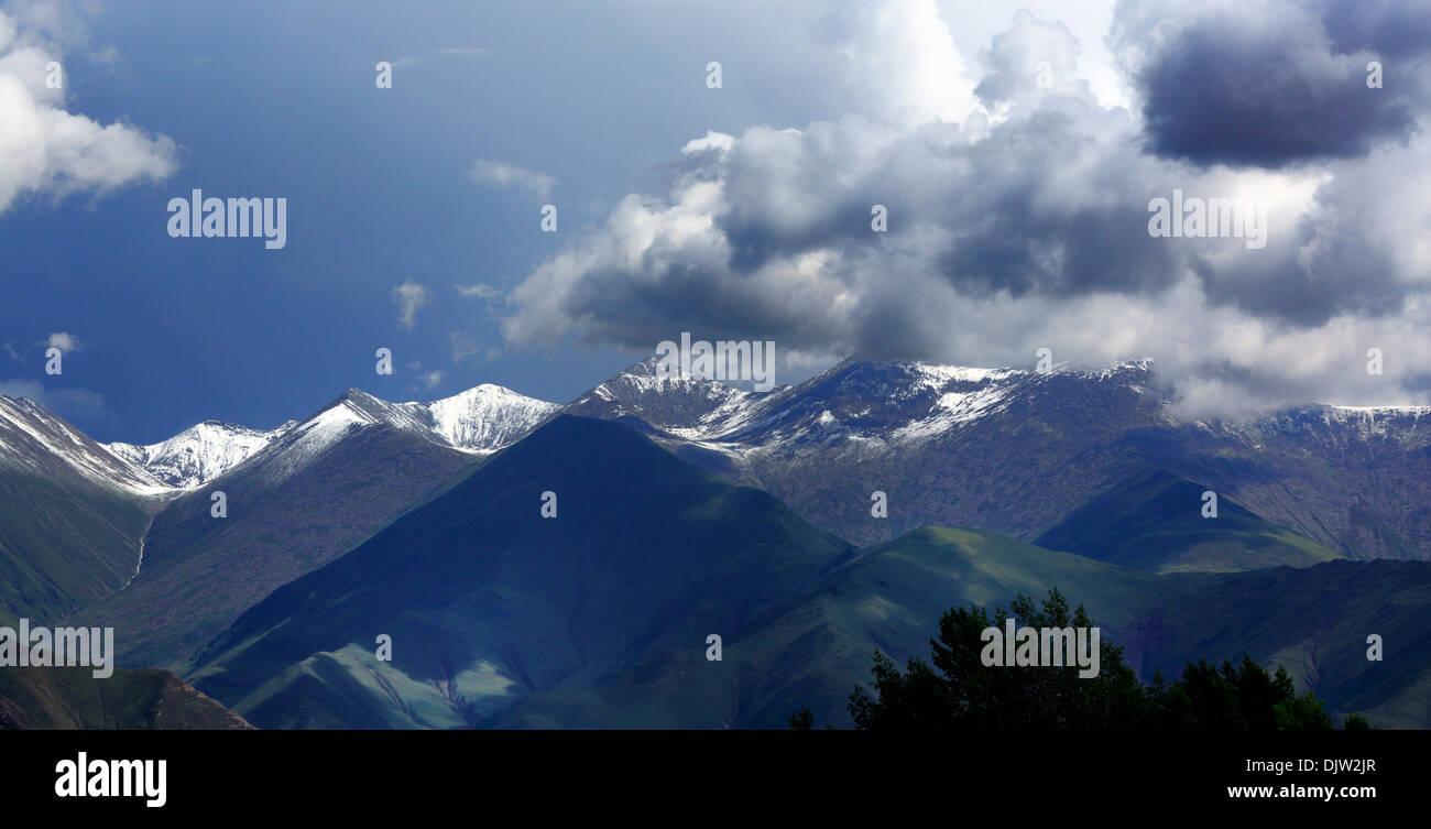 Landscape near Sera Monastery, Wangbur Mountain, Lhasa Prefecture, Tibet, China - Stock Image