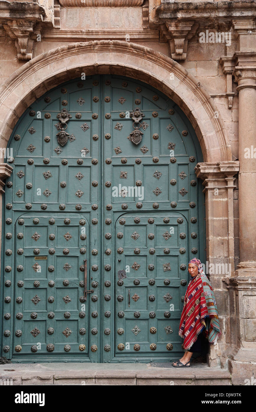 The entrance door to Capilla de San Ignacio de Loyola on Plaza de Armas, Cuzco, Peru. - Stock Image