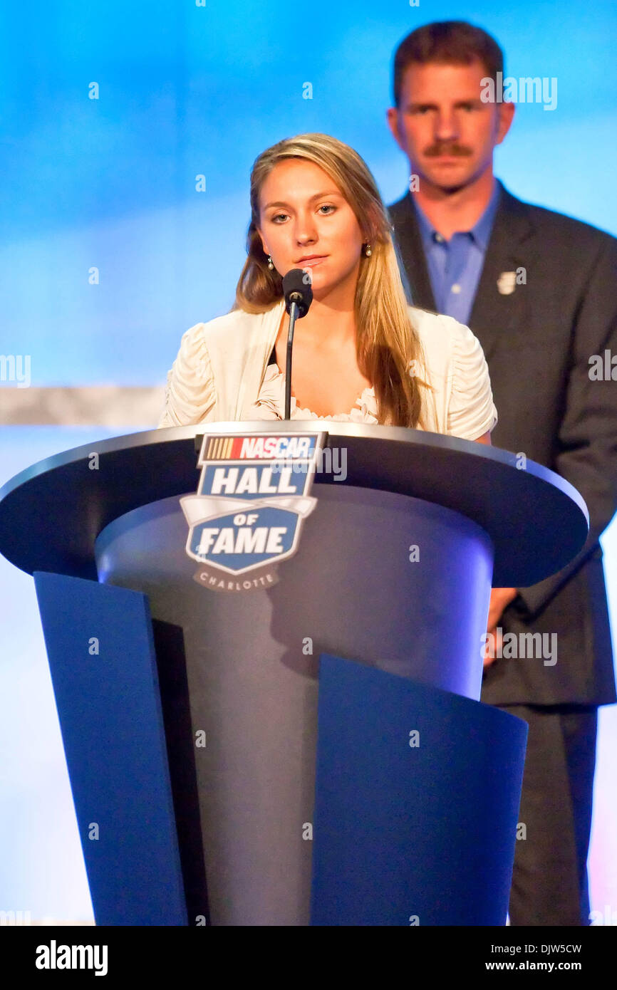 Her Late Night Cravings A Life S Checklist: Taylor Earnhardt Speaks About Her Late Father, Dale