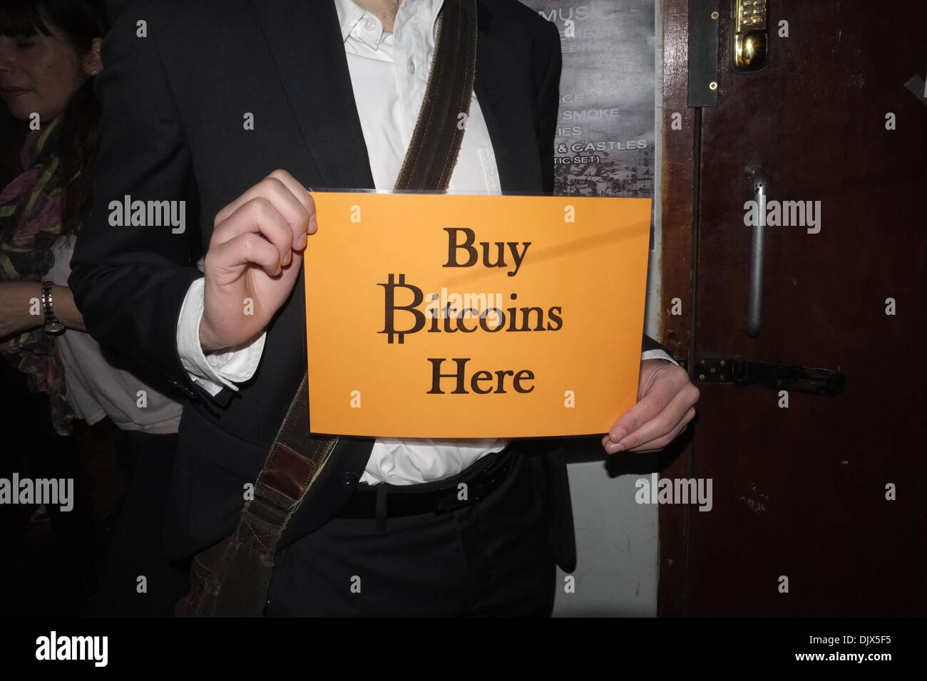 London uk 30th nov 2013 bitcoin and cryptocurrency enthusiasts london uk 30th nov 2013 bitcoin and cryptocurrency enthusiasts and experts meet in london credit rachel megawhatalamy live news ccuart Choice Image