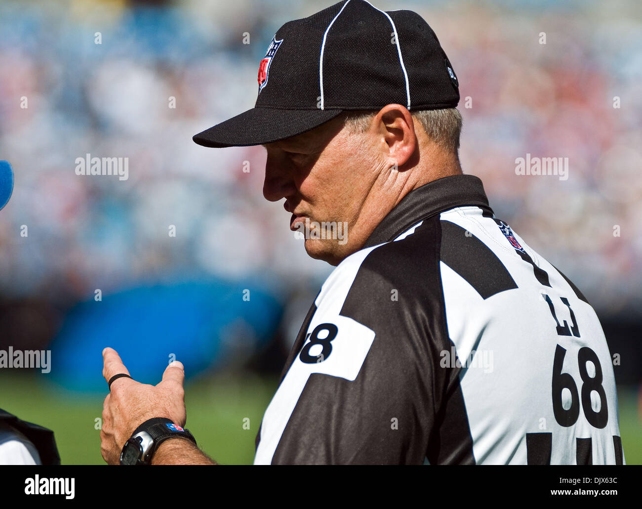 Nfl Referee Stock Photos   Nfl Referee Stock Images - Alamy 3f7c2997b