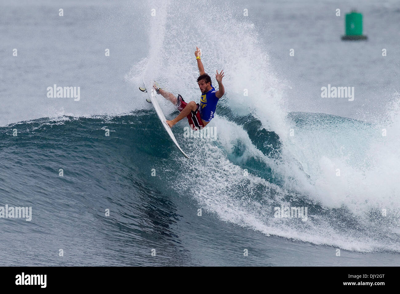 Nov 18, 2010 - Haleiwa, Hawaii, USA - Argentinean born ALEJO MUNIZ (BRA) the 2009 Vans Rookie of the Year moved one step closer to solidifying his spot on the 2011 ASP World Tour by advancing through the round of 64 at the Reef Hawaiian Pro in Haleiwa, Hawaii today.Muniz placed second behind heat winner Daniel Ross (AUS) to earn his spot into the round of 32. (Credit Image: © Kirst - Stock Image