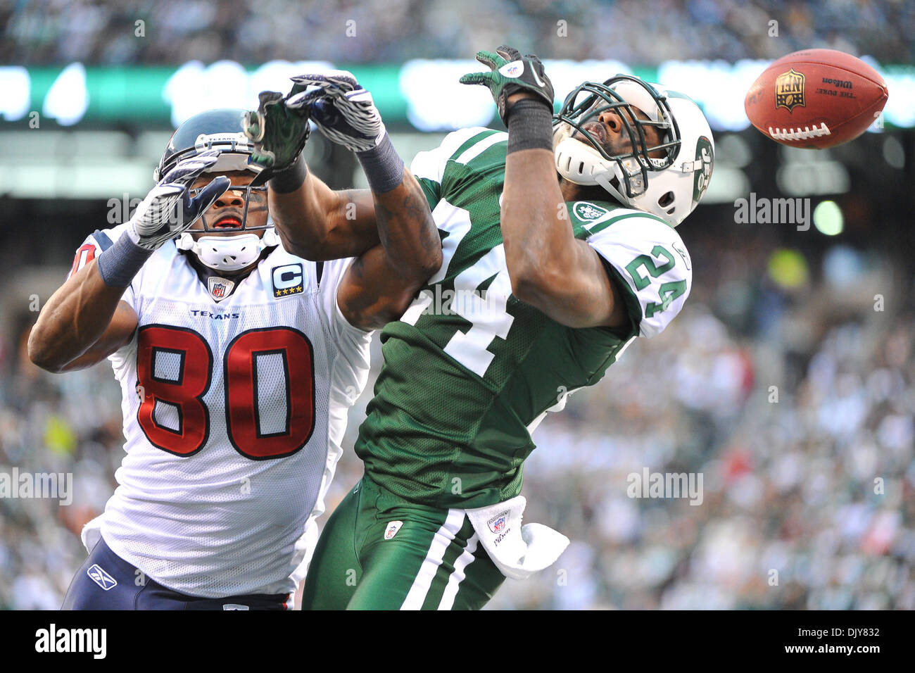 abe57040c4a5 Darrelle Revis And Jets Stock Photos   Darrelle Revis And Jets Stock ...