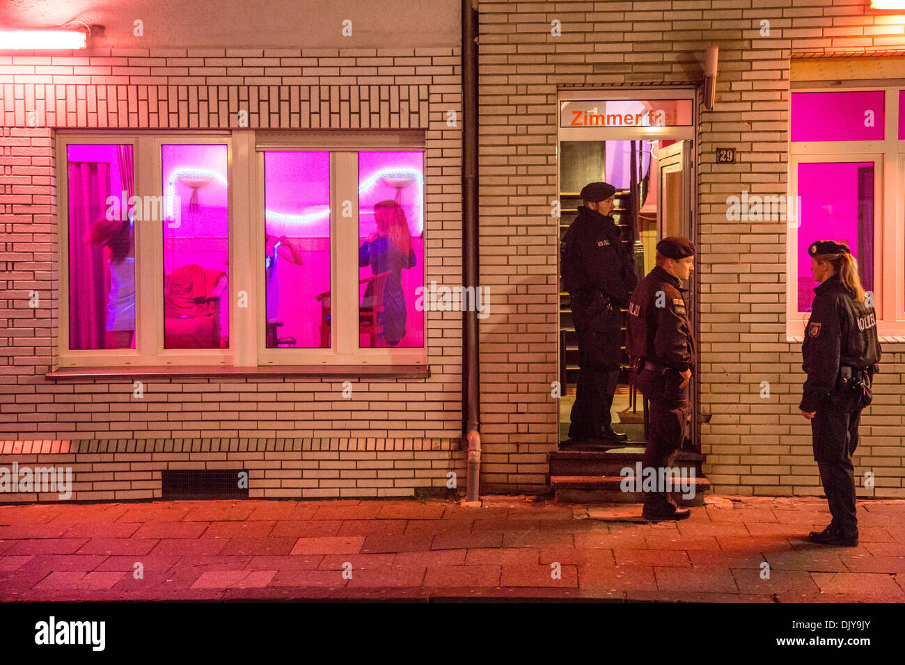 Police raid in the red light district of Oberhausen ...