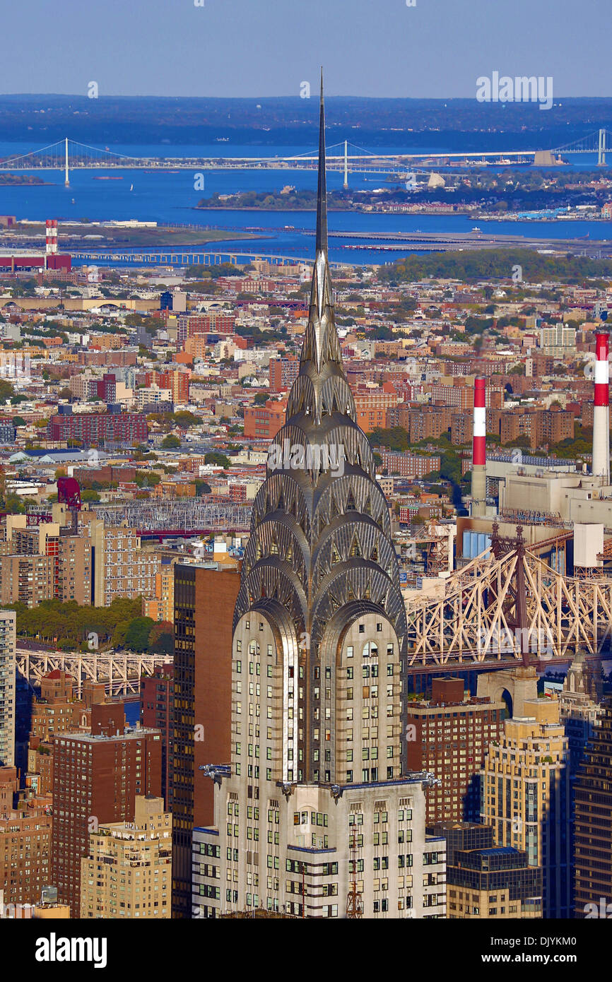 General view of the New York Manhattan city skyline and the Chrysler Building, New York. America - Stock Image