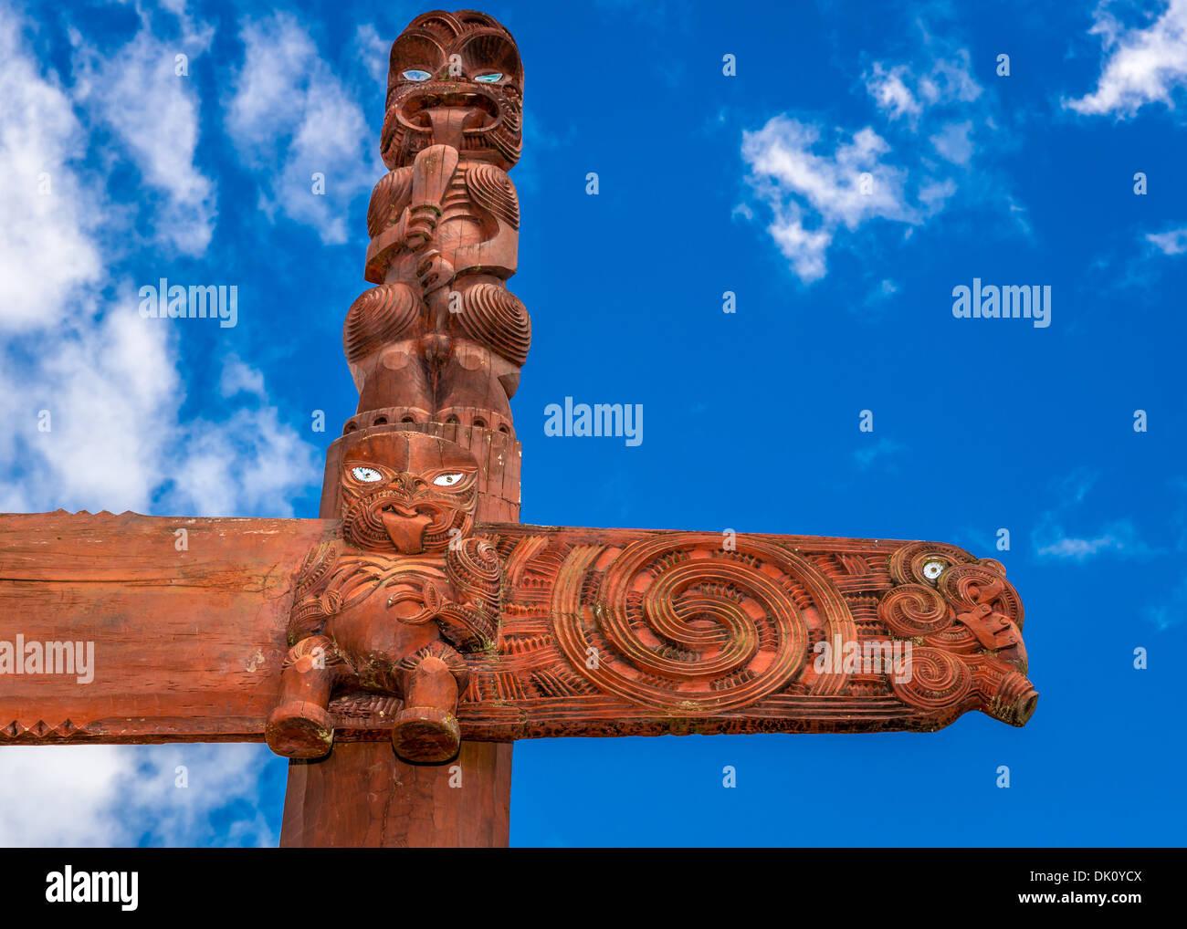 Maori carvings, Hamilton Gardens, Hamilton, Waikato region, New Zealand - Stock Image