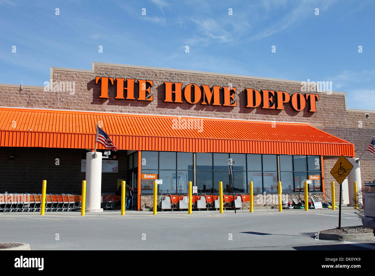 The home depot store front stock photo 63331277 alamy for Shop home depot