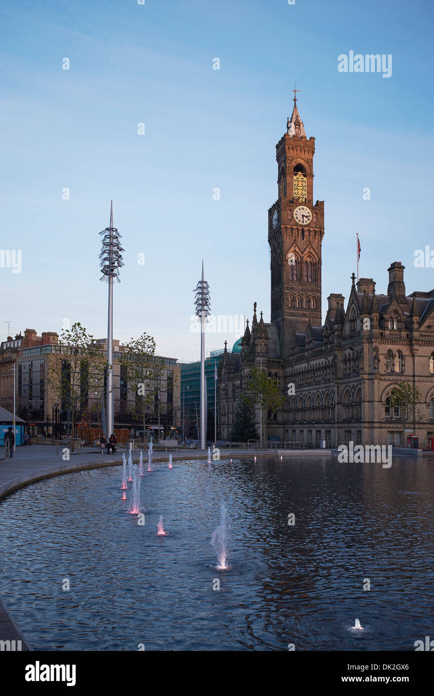 Bradford City Hall and the Mirror Pool in Centenary Square - Stock Image