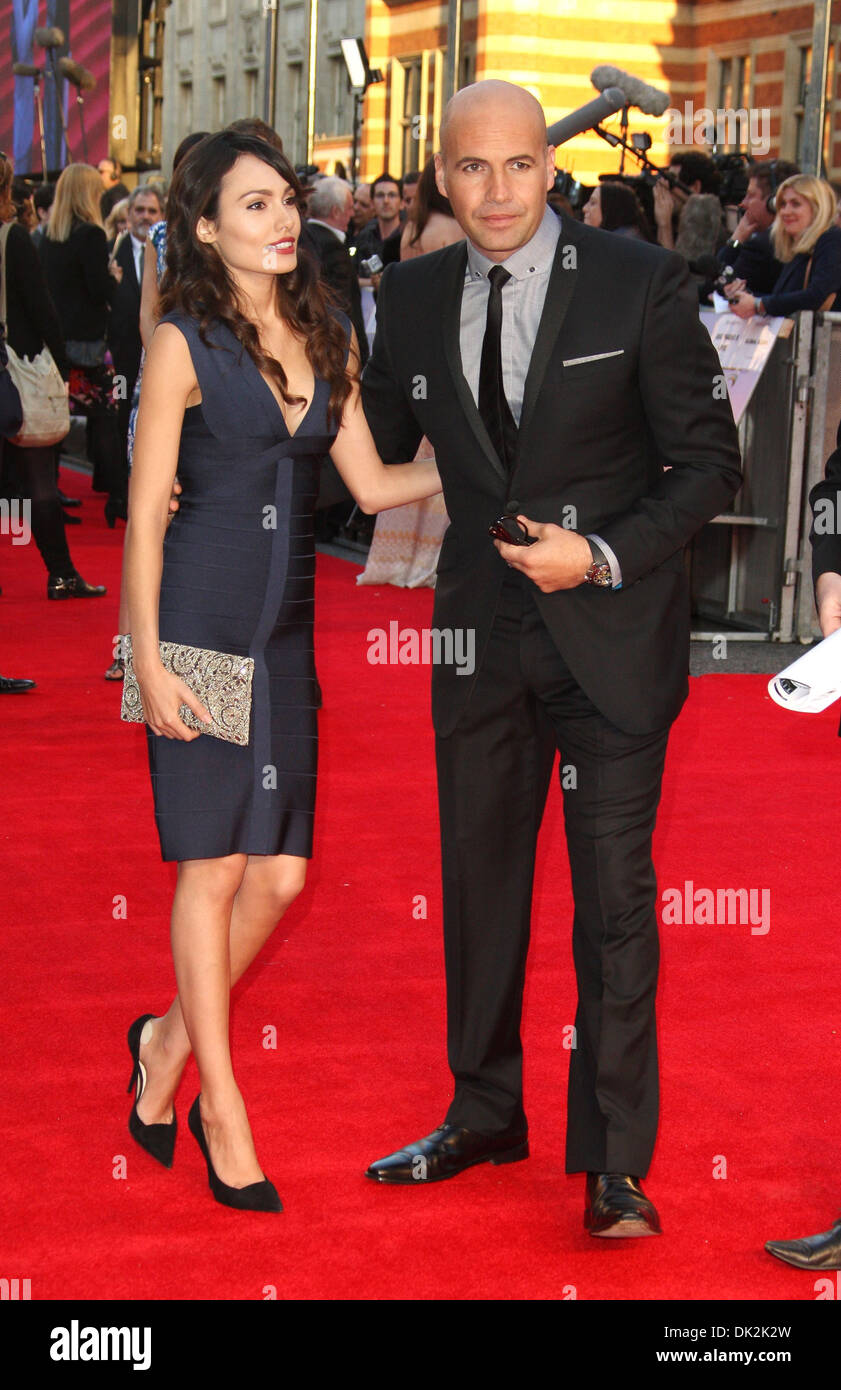 billy zane and girlfriend jasmina hdagha titanic 3d world premiere