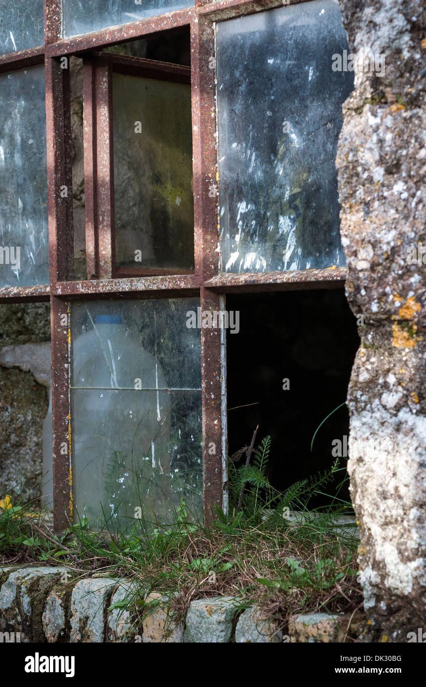 Iron Window Frame Stock Photos & Iron Window Frame Stock Images - Alamy