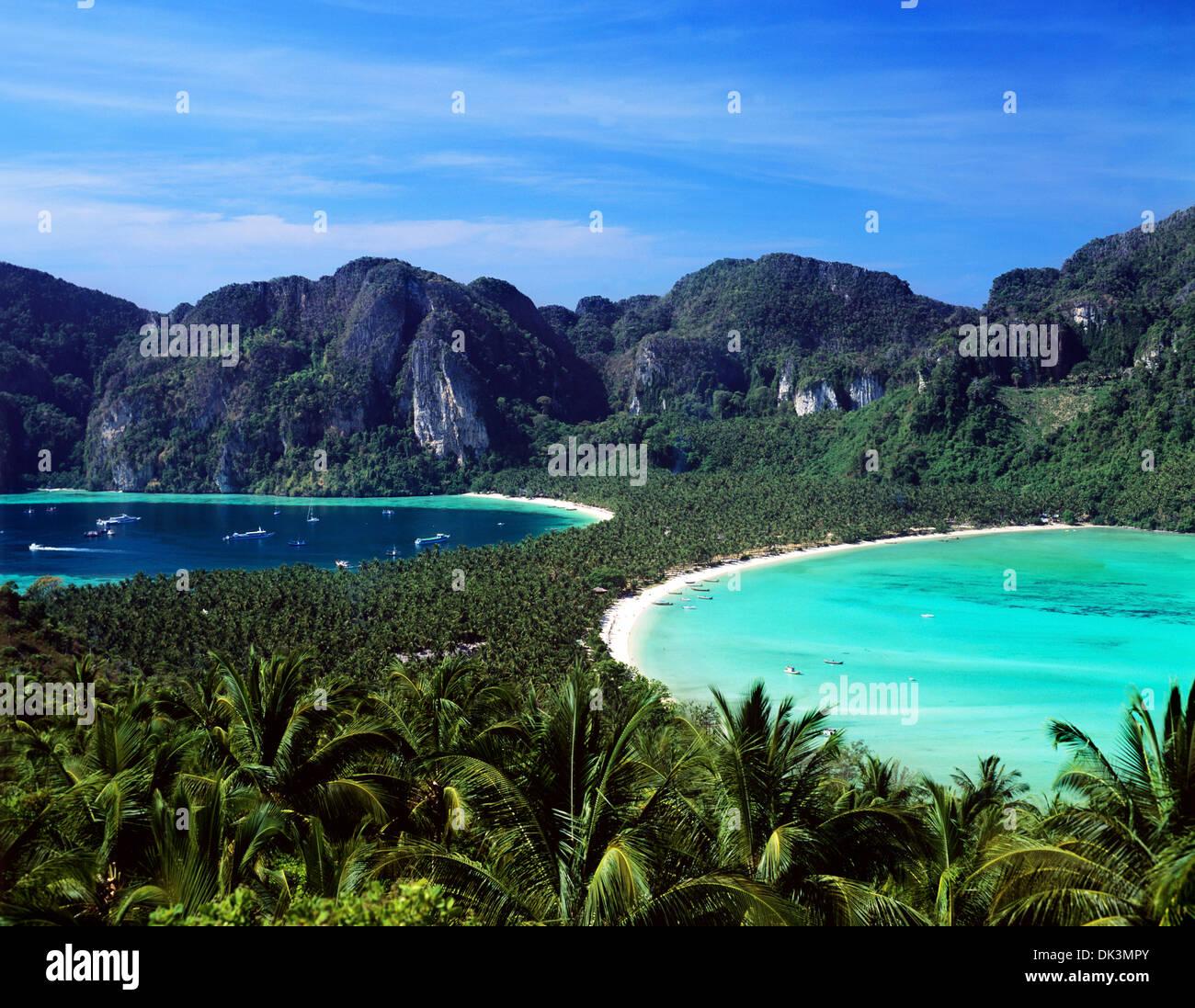 Phi Phi Beach: Aerial View Of Phi Phi Island In Hat Ton Sai Bay, Krabi