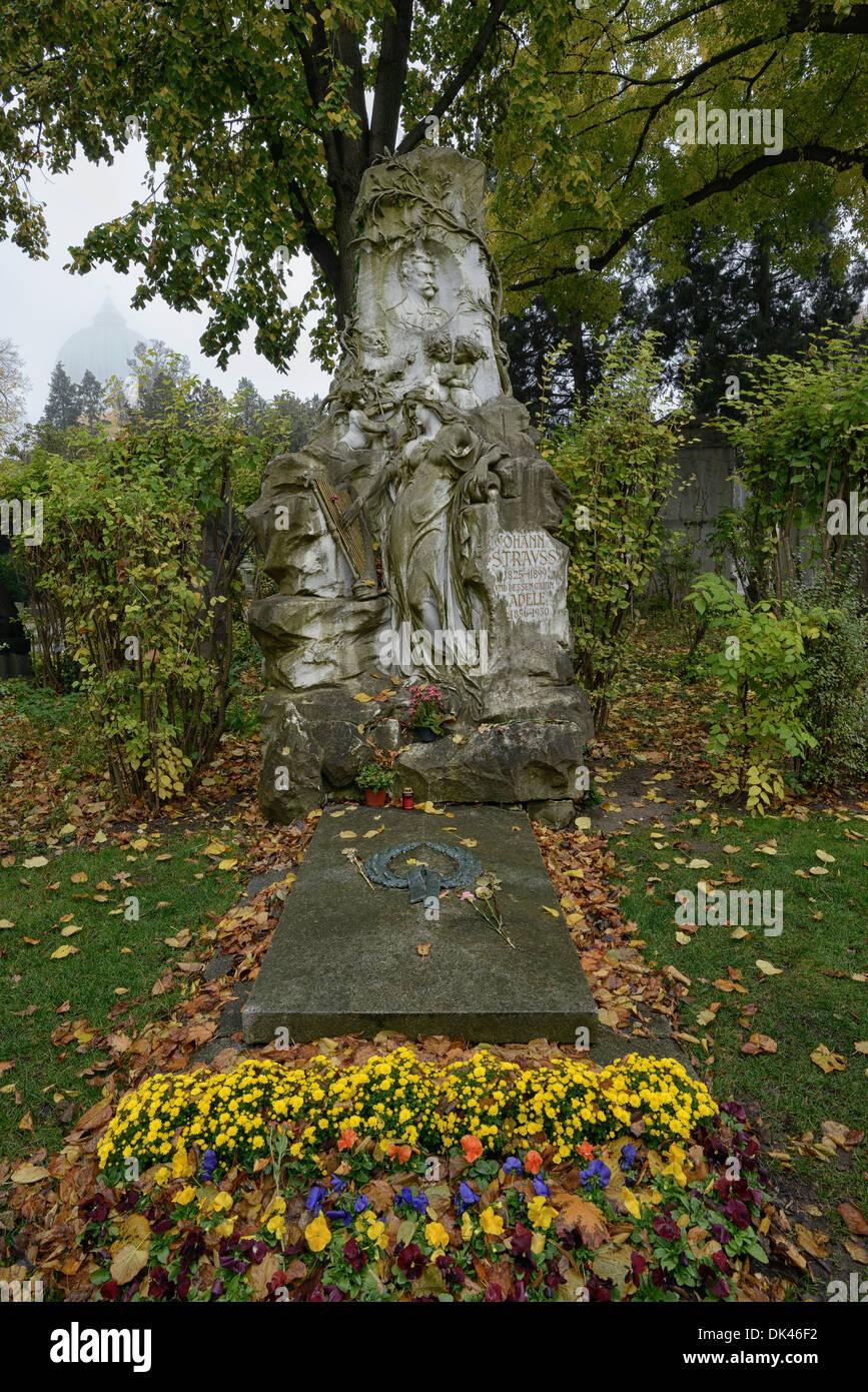 Grave of Johann Strauss II, composer, Zentralfriedhof, Central Cemetery, Vienna, Austria, Europe Stock Photo