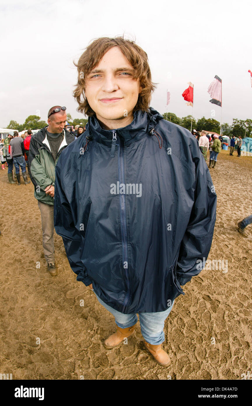 James Walsh lead singer of the English band Starsailor photographed back stage at the Glastonbury Festival 2004 - Stock Image