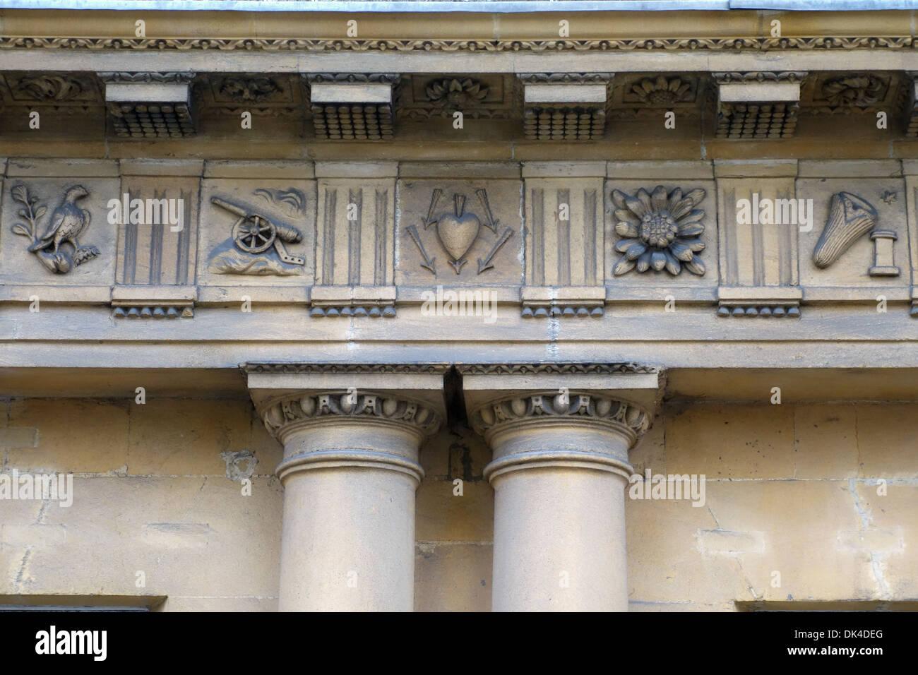 Stone Frieze, The Circus, Bath, England - Stock Image