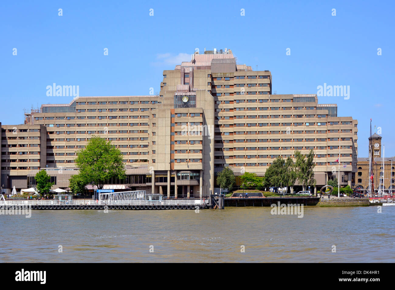The GuomanTower Hotel and St Katharines pier beside River Thames - Stock Image