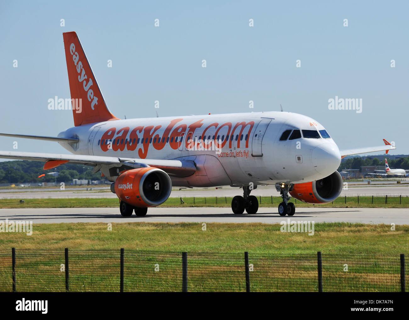 EasyJet plane, EasyJet airline, EasyJet aeroplane at Gatwick Airport, London, Britain, UK - Stock Image