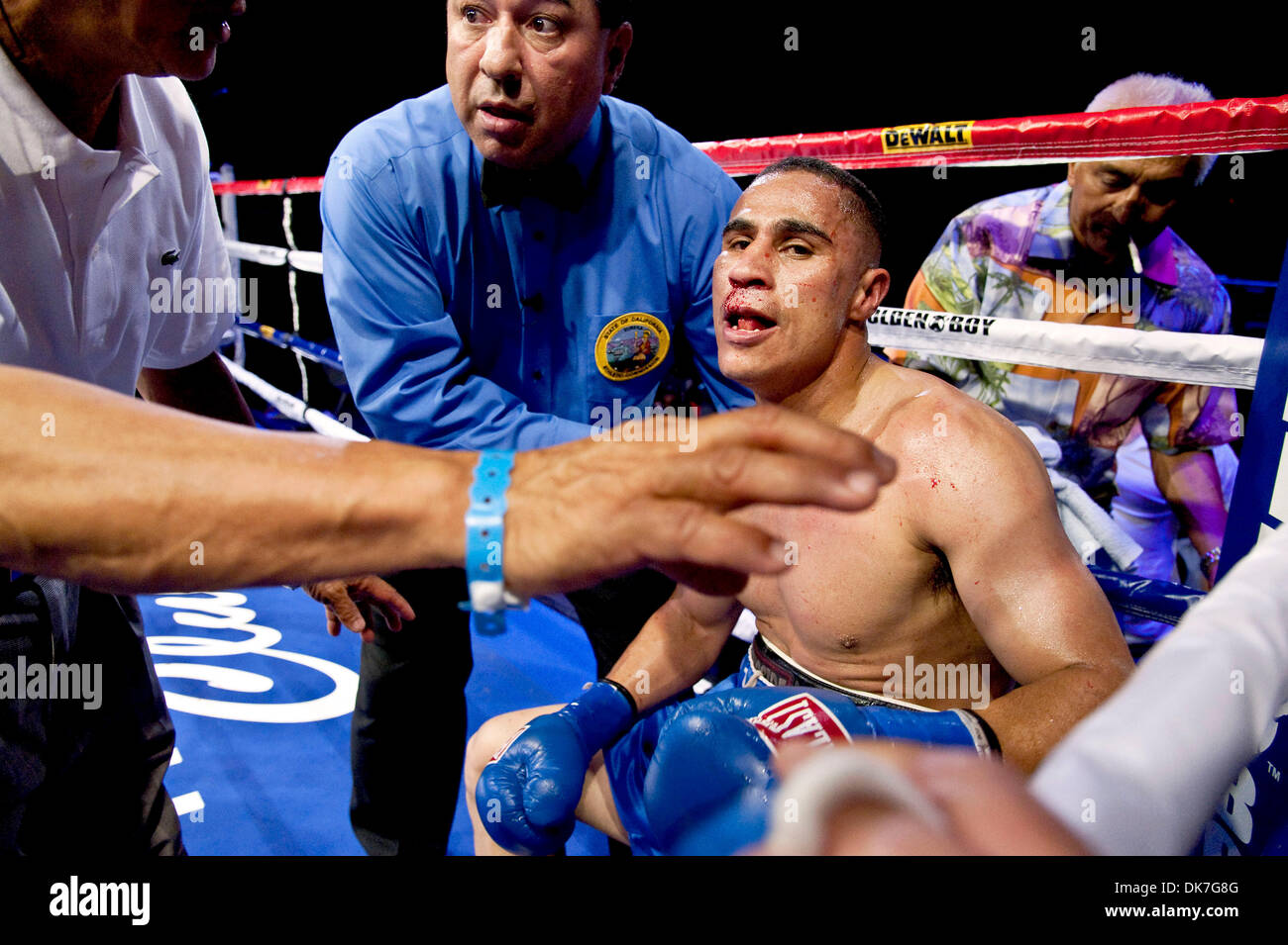 how to watch boxer miguel flores feb 21 live
