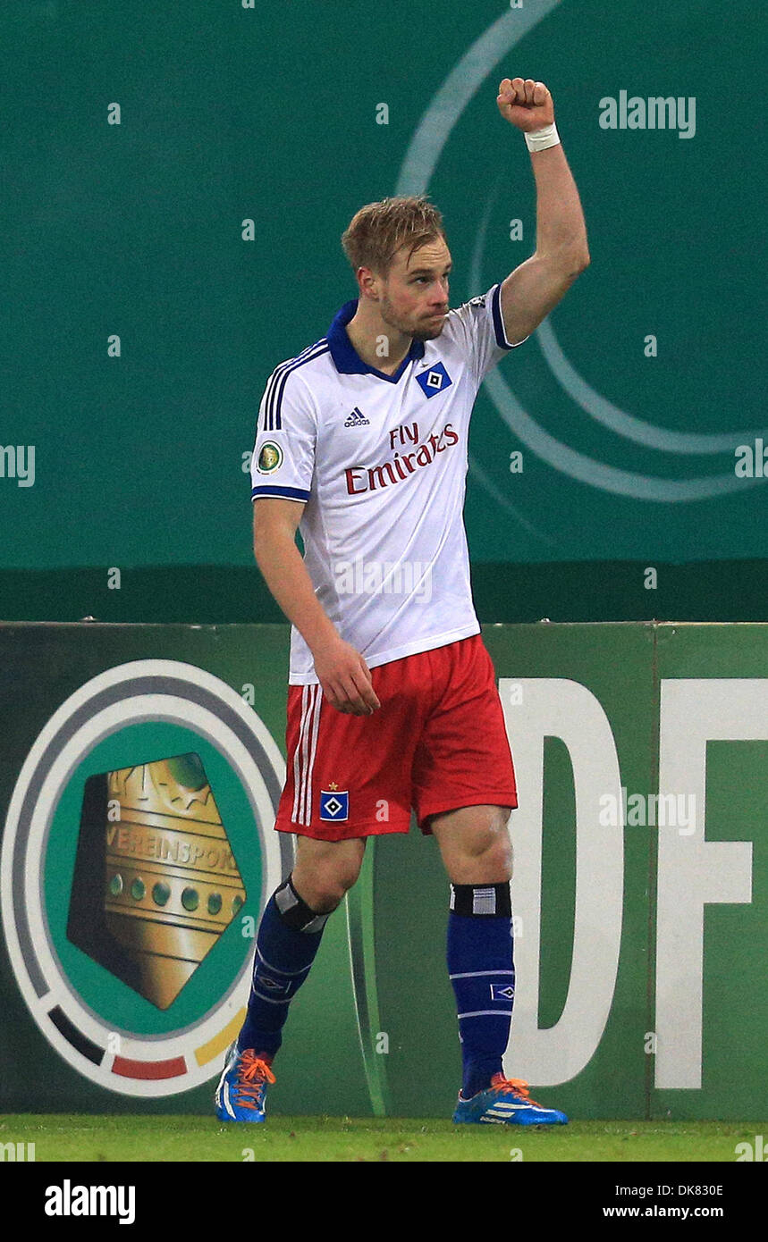 Hamburg, Germany. 3rd Dec 2013. Hamburg's Maximilian Beister cheers his 1-0 goal during the DFB cup round of 16 soccer match Hamburger SV vs 1. FC Cologne at Imtech Arena. Credit:  dpa picture alliance/Alamy Live News - Stock Image