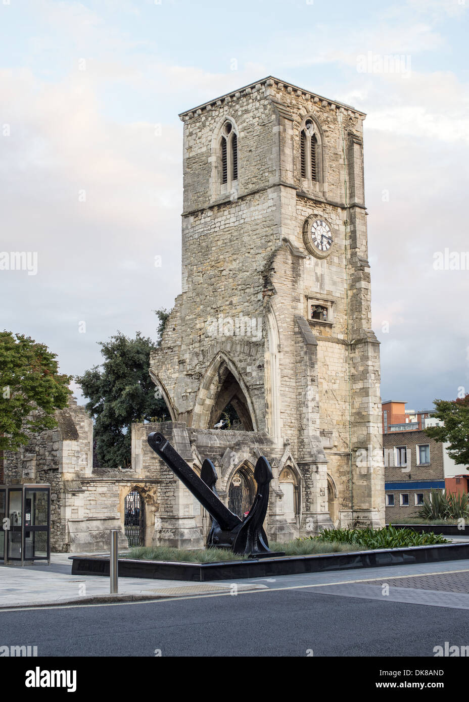 QE2 anchor displayed in front of the Holyrood Church ruin on Southampton High Street, Hampshire, England, UK - Stock Image