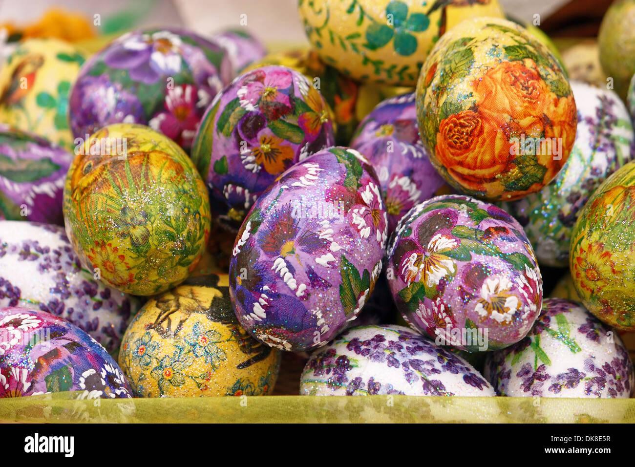 Decoupage Easter eggs: decoration technique 67