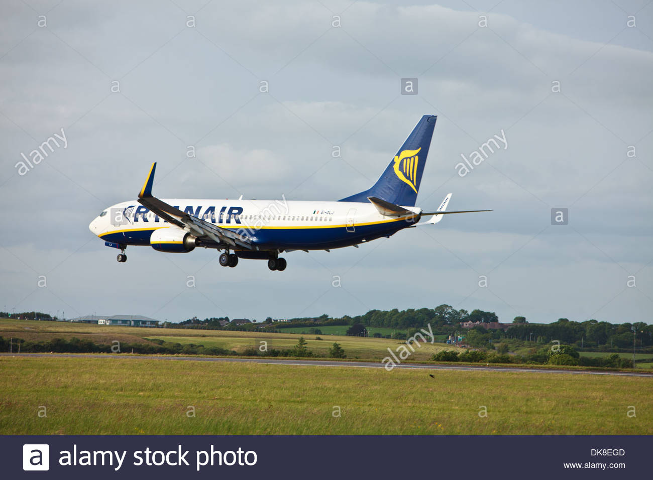 Ryanair Boeing 737 with fuel saving winglets coming into land at Cork Airport, Cork, Ireland - Stock Image