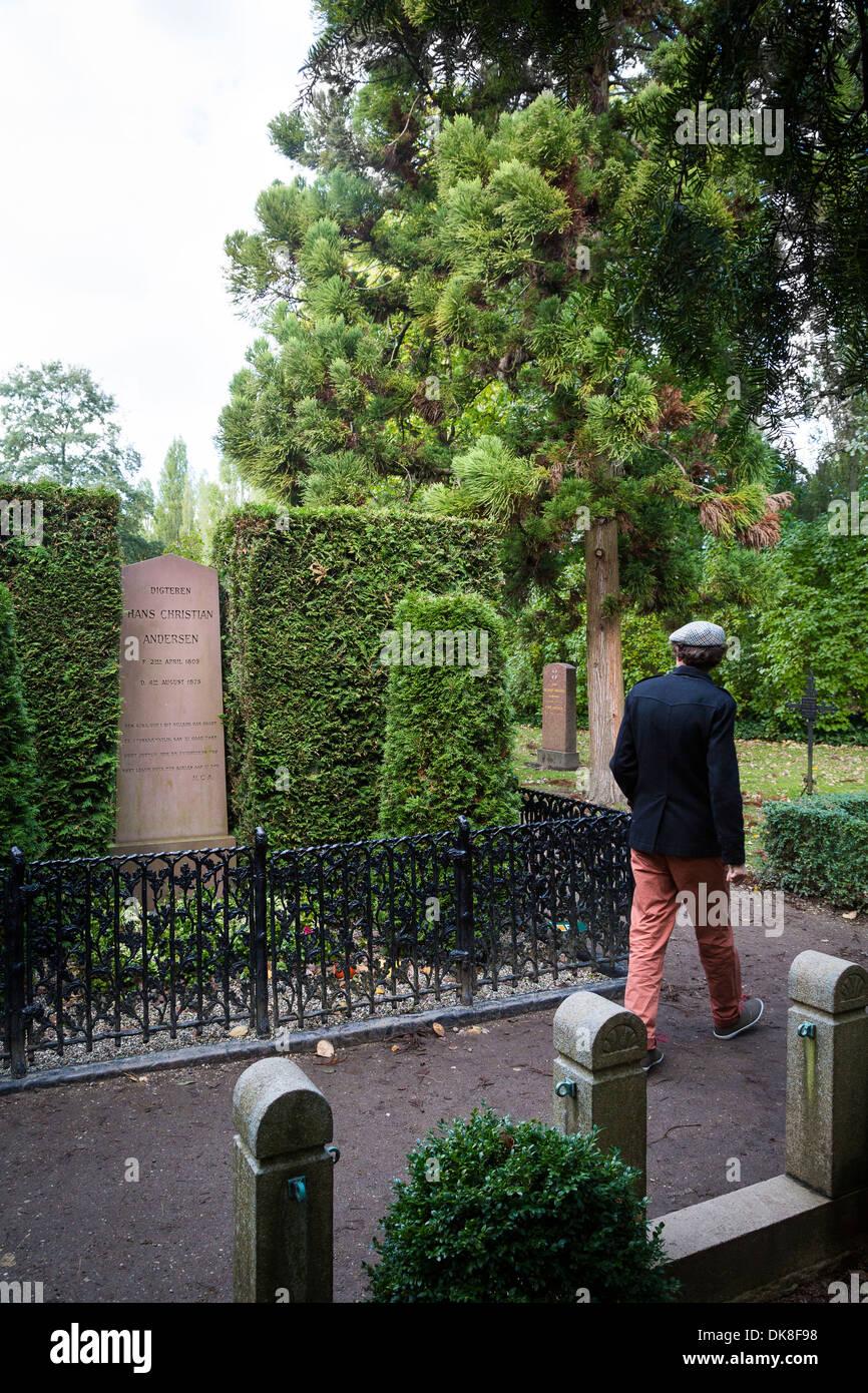 Hans Christian Andersen grave at Assistens Cemetery, Copenhagen, Denmark. - Stock Image