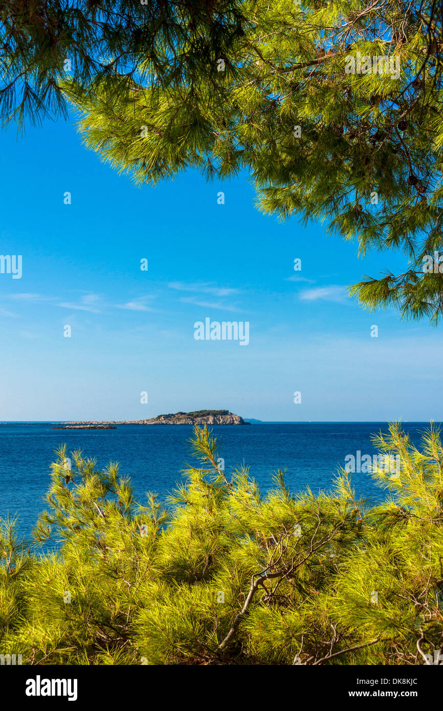 Little island seen from Prizba village, Korcula island, Croatia - Stock Image