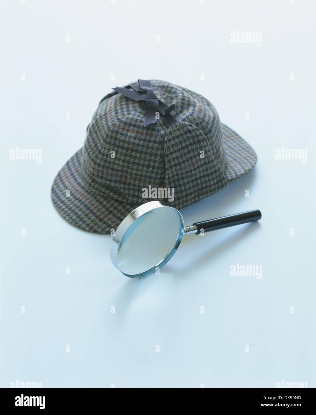 ab5d048a3 Deerstalker Hat Magnifying Glass Stock Photos & Deerstalker Hat ...