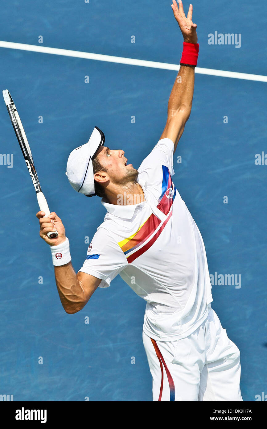 Aug 21 2011 Cincinnati Ohio U S Novak Djokovic Srb Servers Stock Photo Alamy