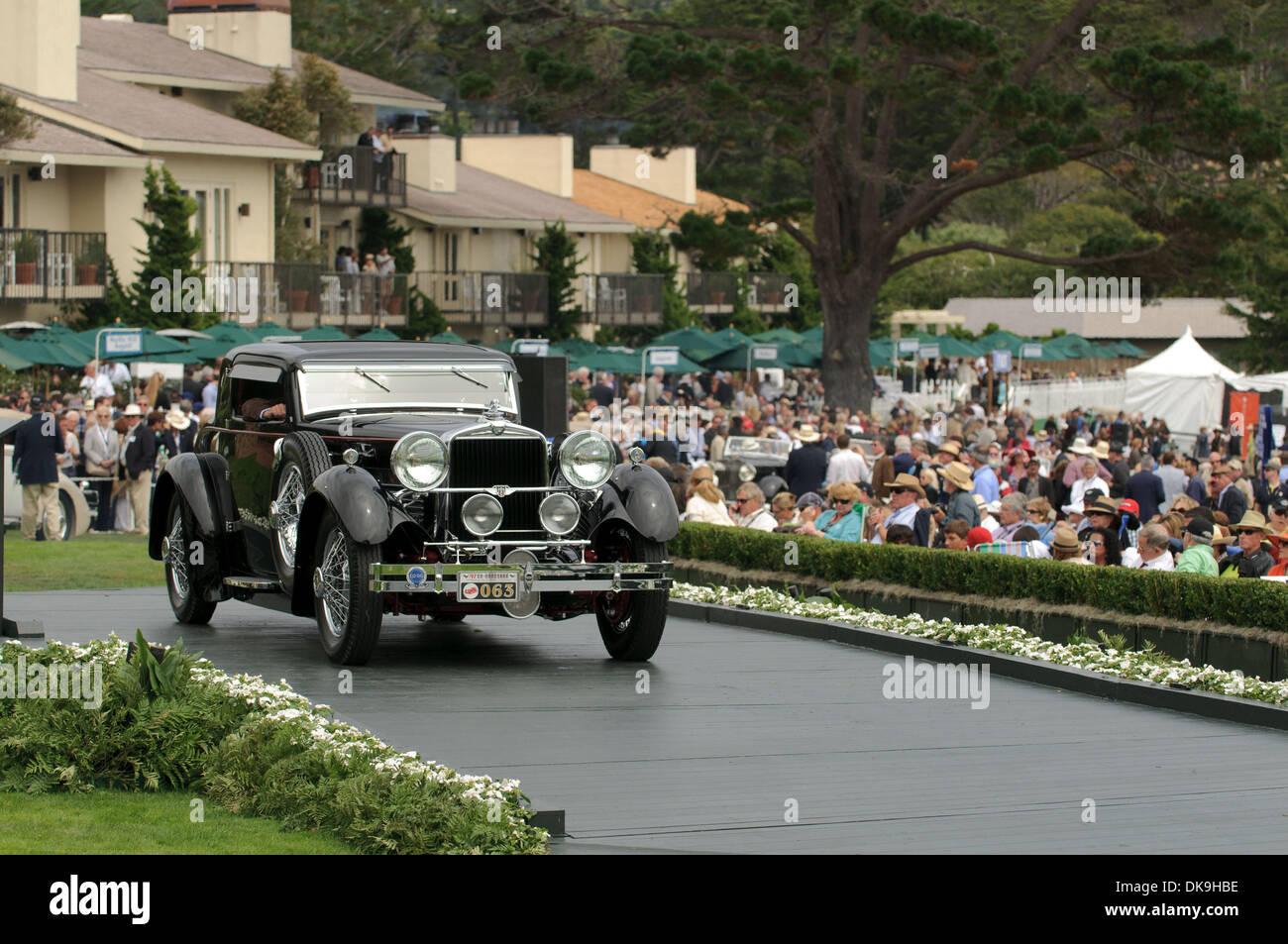 Aug. 21, 2011 - Pebble Beach, California, U.S. - Vintage cars ...