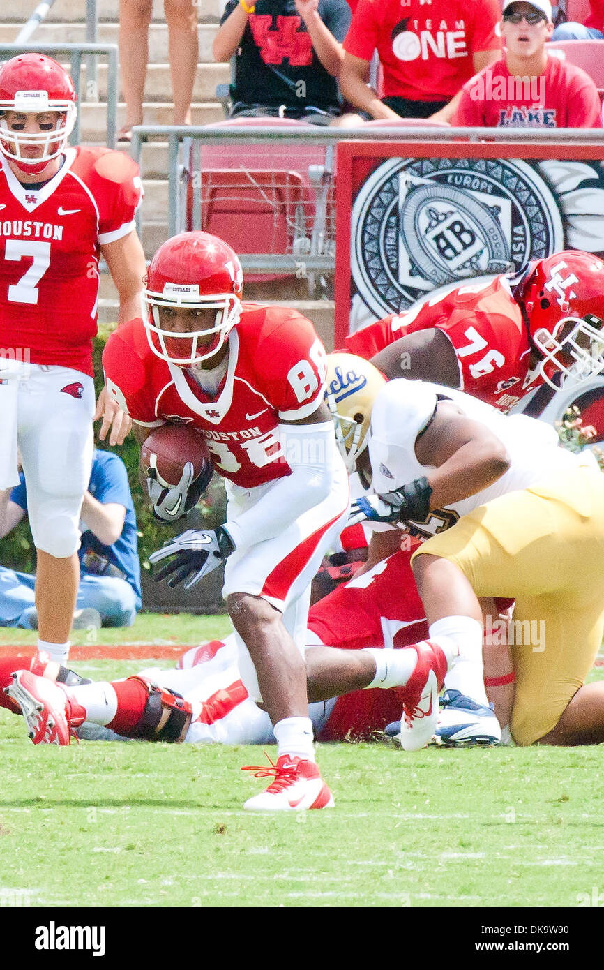 Sept. 3, 2011 - Houston, Texas, U.S - Houston Cougars wide receiver E.J. Smith (88) running the ball. Houston Cougars defeated the UCLA Bruins 38-34 at John O' Quinn Field in Houston, TX. (Credit Image: © Juan DeLeon/Southcreek Global/ZUMAPRESS.com) - Stock Image