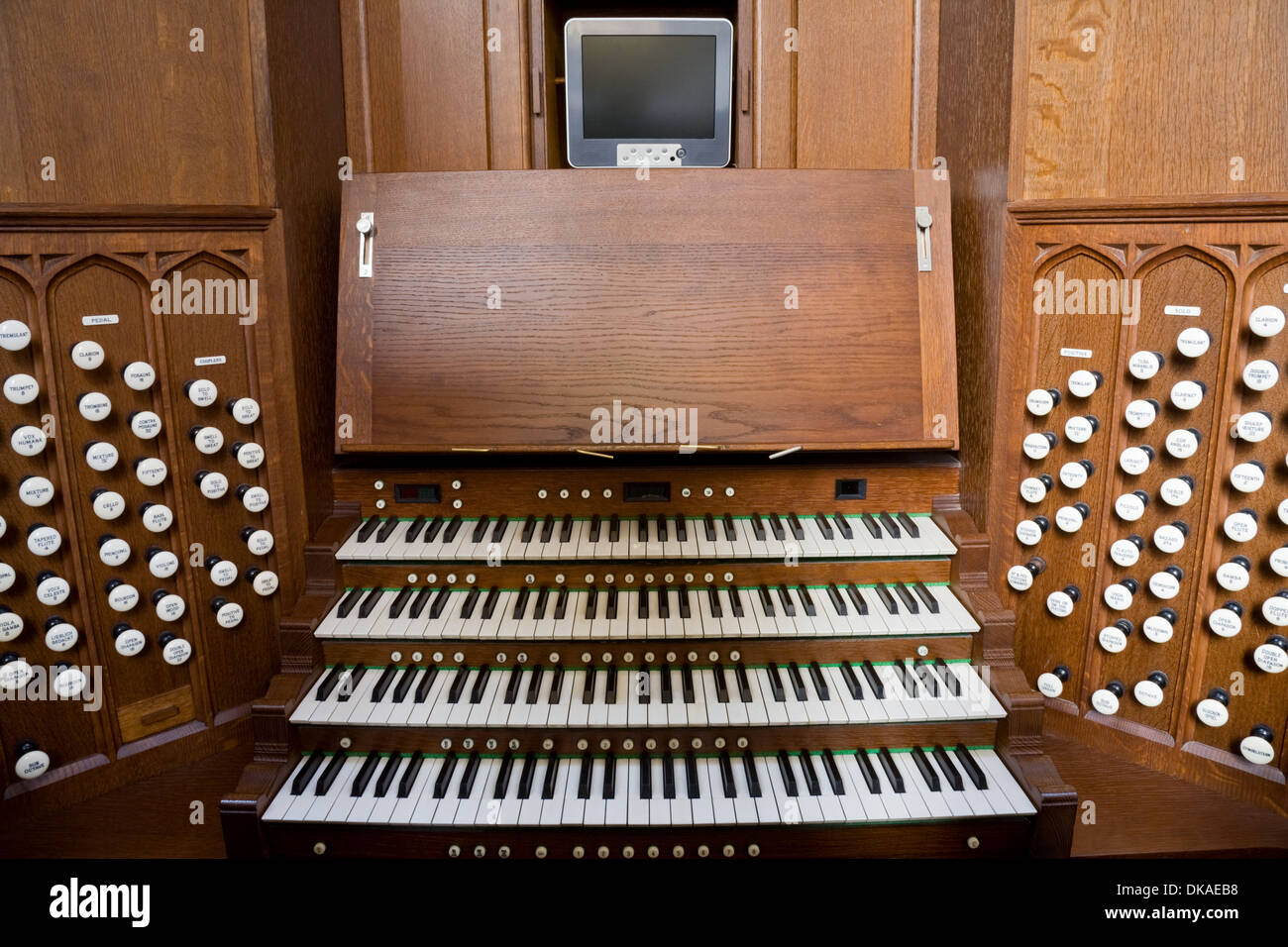 Console for the pipe organ in Bath Abbey, Bath, Somerset. - Stock Image
