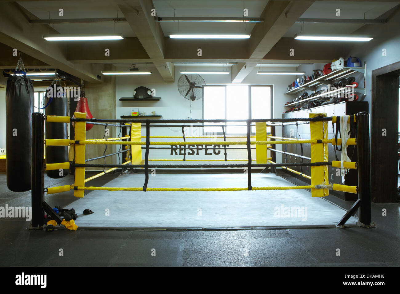 Empty boxing ring - Stock Image