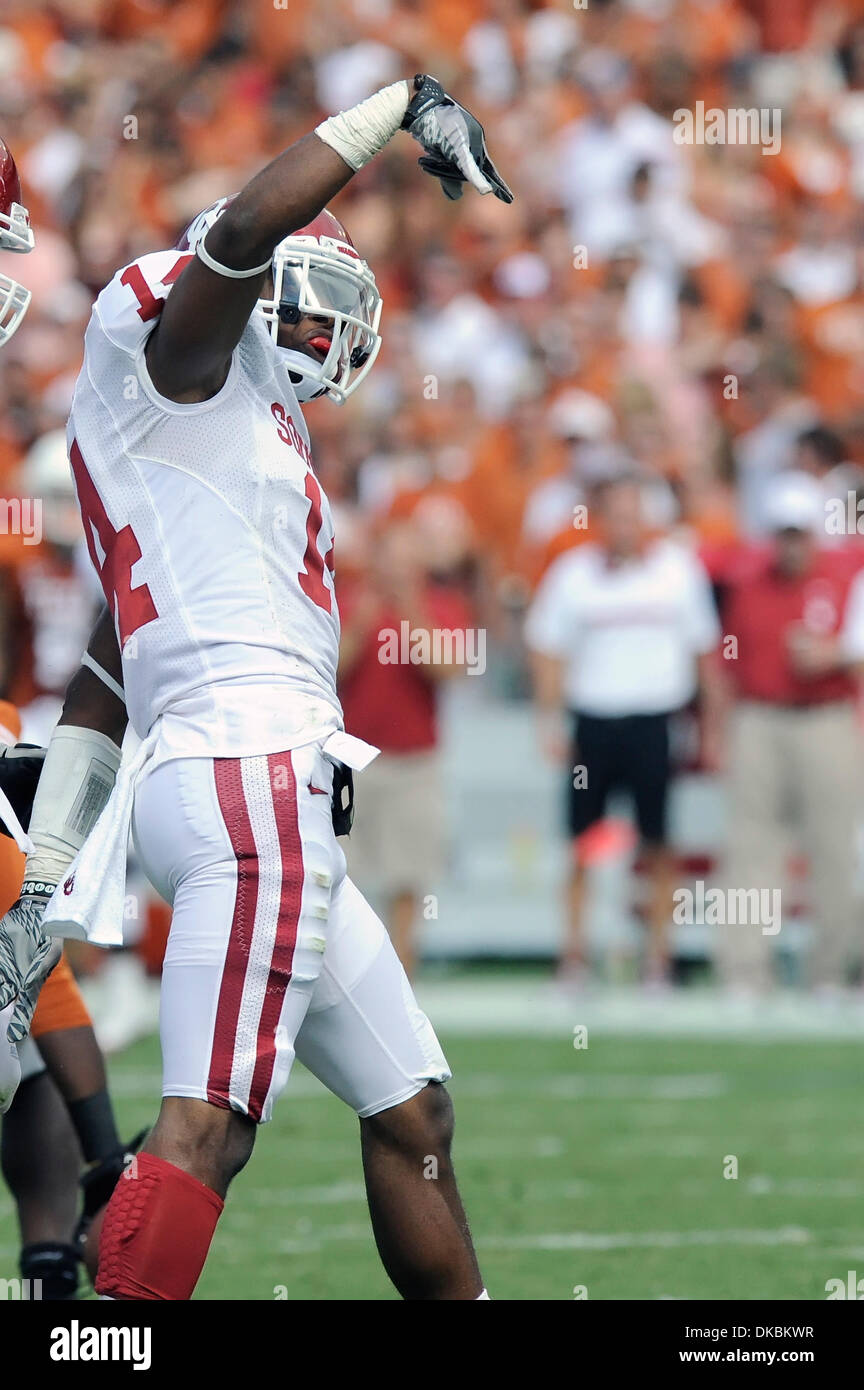 Oct. 8, 2011 - Dallas, Texas, U.S - Oklahoma Sooners defensive back Aaron Colvin (14) throws his horns down after making a key stop during game action of the Red River Rivalry between the #3 Oklahoma Sooners and #11 Texas Longhorns at Cotton Bowl in Dallas, Texas.  Oklahoma routes Texas 55-17. (Credit Image: © Steven Leija/Southcreek/ZUMAPRESS.com) - Stock Image