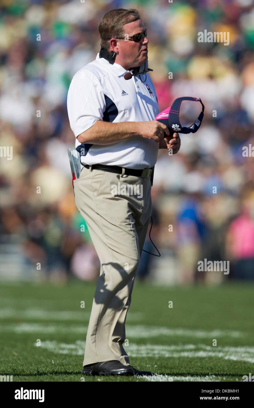 Gold Lens Sunglasses White NCAA Notre Dame Fighting Irish  ND-6- White Frame One Size