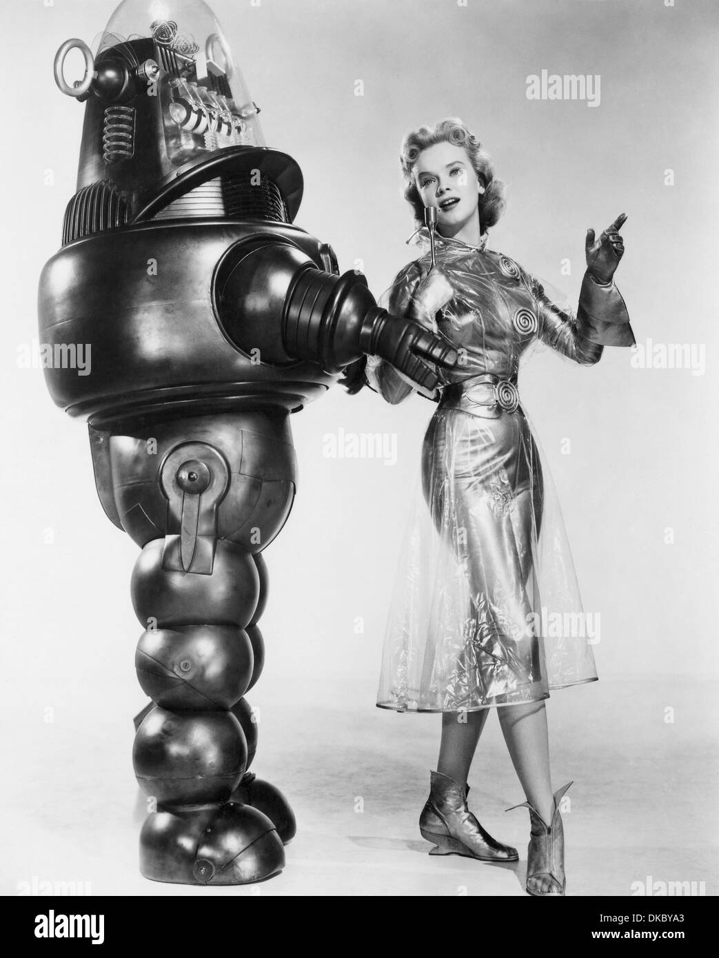 FORBIDDEN PLANET  1956 MGM sci-fi film with Anne Francis as Altaira Morbius and Robby the Robot - Stock Image