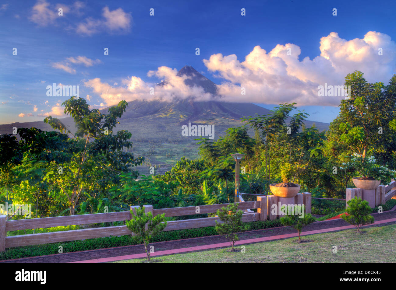 Mayon Volcano on Luzon Island, Philippines. - Stock Image