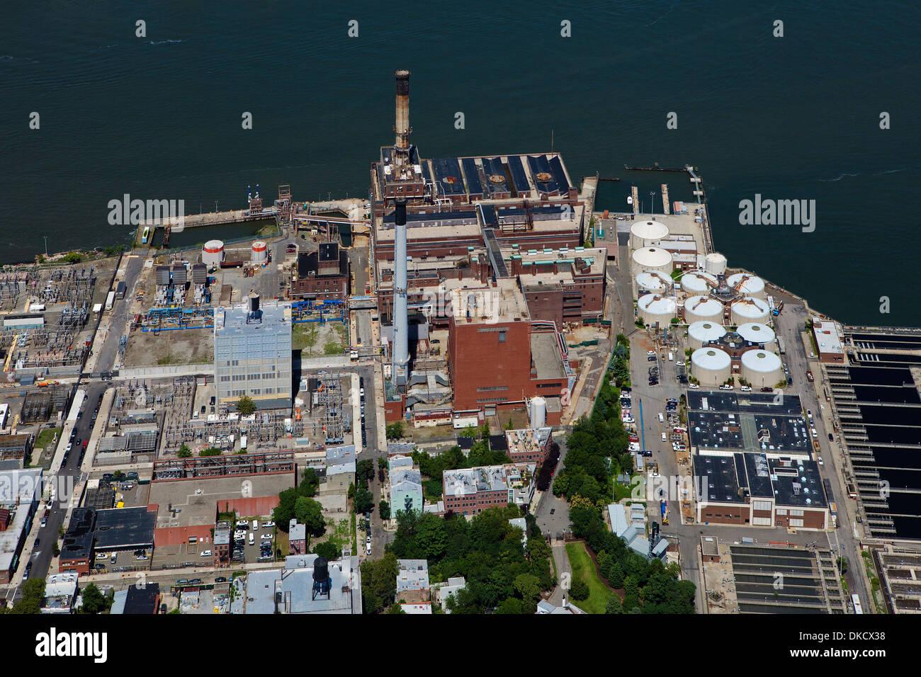 aerial photograph Brooklyn Navy Yard Cogeneration Facility, Brooklyn, New York Stock Photo