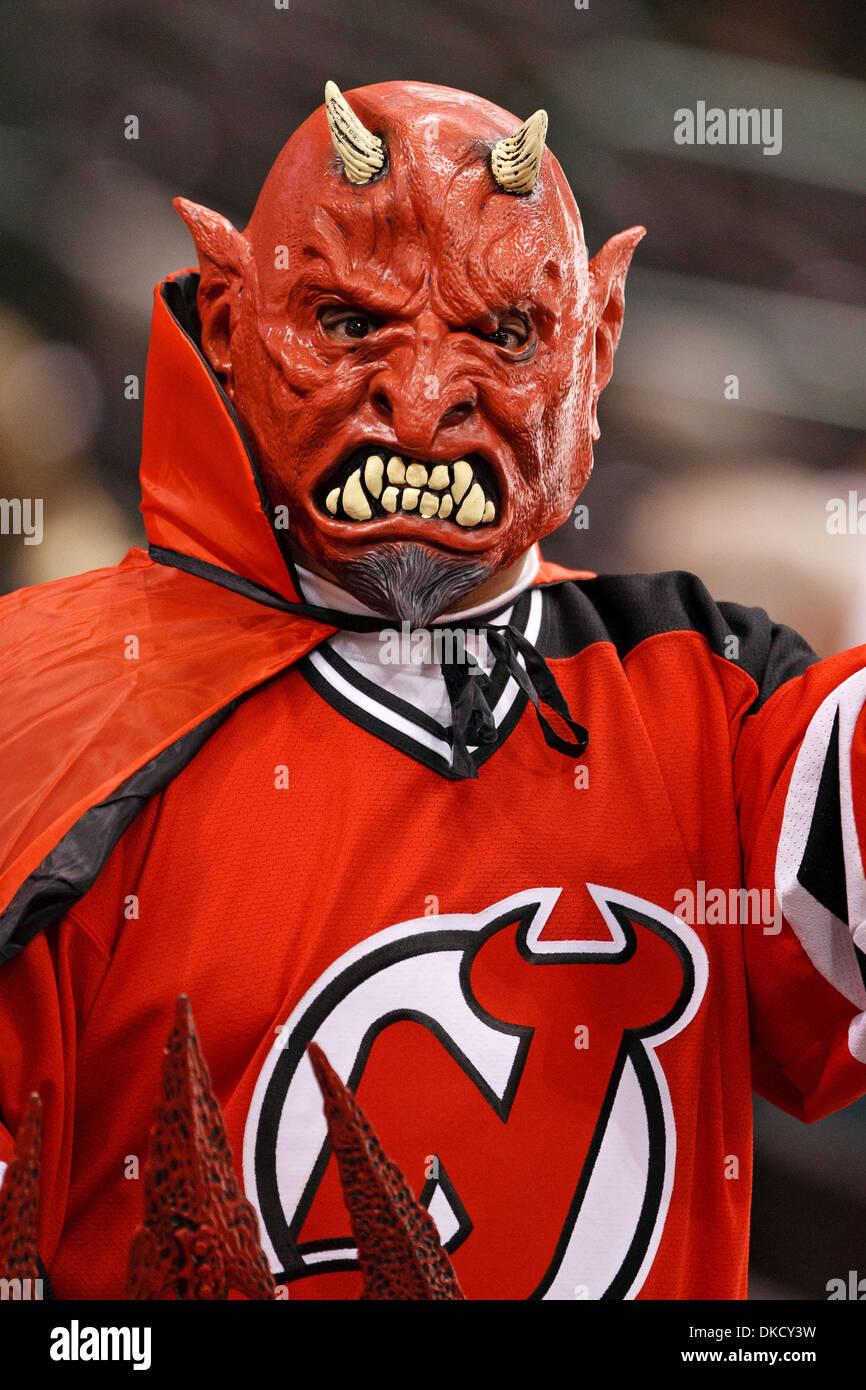new styles 02a9b 06c6d New Jersey Devils Fan Stock Photos & New Jersey Devils Fan ...